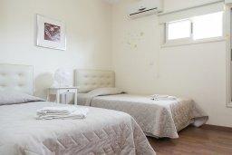 Спальня 2. Кипр, Декелия - Ороклини : Прекрасная вилла с бассейном в 125 метрах от пляжа, 3 спальни, 2 ванные комнаты, барбекю, парковка, Wi-Fi