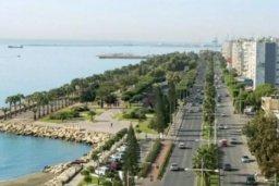 Ближайший пляж. Кипр, Центр Лимассола : Прекрасная 3-комнатная квартира с видом на море, всего в 130 метрах от пляжа для 6-ти гостей.