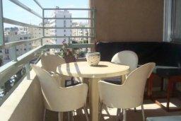 Балкон. Кипр, Центр Лимассола : Прекрасная 3-комнатная квартира с видом на море, всего в 130 метрах от пляжа для 6-ти гостей.