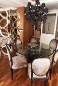 Гостиная. Кипр, Айос Тихонас Лимассол : Роскошные апартаменты с 4-мя спальнями в закрытом комплексе с бассейном, тренажерным залом, частной парковкой, прекрасными садами и выходом на пляж для 6-ти гостей