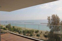 Вид на море. Кипр, Центр Лимассола : Роскошные апартаменты на берегу моря, с 3-мя спальнями, в комплексе с бассейном, spa-центром и фитнес клубом