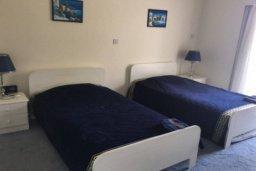 Спальня. Кипр, Пареклисия : Прекрасные апартаменты с 2-мя спальнями в частном комплексе, с общим бассейном и  садом для 5-ти гостей