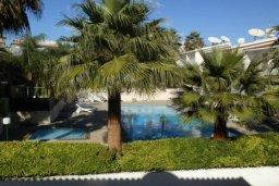 Территория. Кипр, Пареклисия : Прекрасные апартаменты с 2-мя спальнями в частном комплексе, с общим бассейном и  садом для 5-ти гостей
