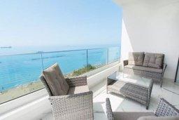 Балкон. Кипр, Центр Лимассола : Роскошные апартаменты с 5-ю спальнями для 10-ти гостей c потрясающим видом на залив Лимассола