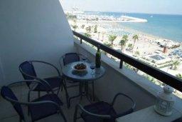 Вид на море. Кипр, Ларнака город : Прекрасно расположенная современная квартира в самом центре города, на набережной с 2-мя спальнями для 4-ти гостей, Лимассол