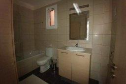 Ванная комната. Кипр, Декелия - Пила : Прекрасные апартаменты с 2-мя спальнями в частном комплексе, с общим бассейном и  садом для 6-ти гостей в Ларнаке