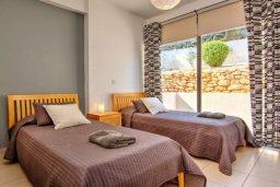 Спальня 3. Кипр, Лачи : Современная вилла с панорамным видом на море и горы, с 3-мя спальнями, с бассейном, традиционным кипрским барбекю и патио,  расположена на живописном склоне холма в деревушке Neo Chorion