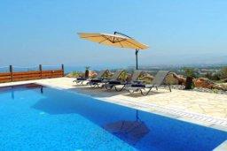 Бассейн. Кипр, Лачи : Шикарная каменная вилла с панорамным видом на море, с 4-мя спальнями, с бассейном, джакузи, тенистой террасой с патио и с бильярдом