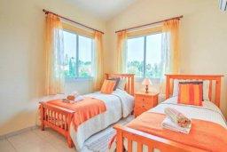 Спальня 2. Кипр, Корал Бэй : Роскошная вилла с 3-мя спальнями, с бассейном, солнечной террасой с патио и барбекю
