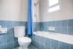 Ванная комната. Кипр, Корал Бэй : Роскошная вилла с 3-мя спальнями, с бассейном, солнечной террасой с патио и барбекю