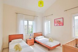 Спальня 3. Кипр, Лачи : Прекрасная вилла с 3-мя спальнями, с бассейном, уютной меблированной террасой, барбекю и видом на залив Chrysochou и полуостров Akamas
