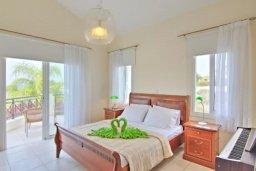 Спальня 2. Кипр, Лачи : Прекрасная вилла с 3-мя спальнями, с бассейном, уютной меблированной террасой, барбекю и видом на залив Chrysochou и полуостров Akamas