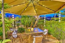 Территория. Кипр, Полис город : Красивая семейная вилла с 3-мя спальнями, с бассейном, тенистой террасой, зелёным садом с беседкой, расположена в идиллическом нетронутом городе Полис
