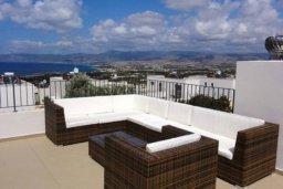 Патио. Кипр, Полис город : Великолепная вилла с видом на залив Chryshochou и гавань Latchi, с 3-мя спальнями, с бассейном, зелёным садом и барбекю