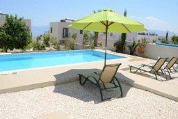 Территория. Кипр, Лачи : Очаровательная вилла с видом на залив Chryshochou и гавань Latchi, с 3-мя спальнями, с бассейном, патио и барбекю