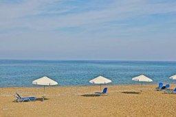 Ближайший пляж. Кипр, Полис город : Очаровательная вилла с 3 спальнями с для 6-ти гостей с бассейном и садом