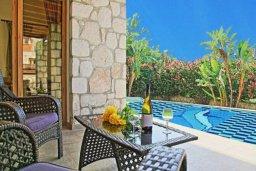 Патио. Кипр, Полис город : Очаровательная вилла с 2 спальнями с для 4-ти гостей с бассейном и садом