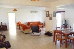 Гостиная. Кипр, Аргака : Прекрасная вилла с 4-мя спальнями, с бассейном и двориком, расположена в Пафосе для 8-ти гостей
