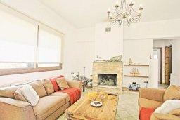 Гостиная. Кипр, Тремисуса : Очаровательная вилла с 3 спальнями с для 6-ти гостей с бассейном и садом