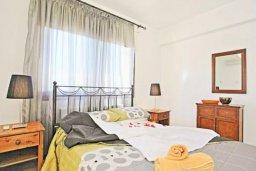 Спальня. Кипр, Тремисуса : Очаровательная вилла с 3 спальнями с для 6-ти гостей с бассейном и садом