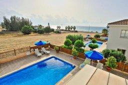 Бассейн. Кипр, Аргака : Прекрасная вилла с 4-мя спальнями, с бассейном и двориком, расположена в Пафосе для 8-ти гостей