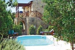 Территория. Кипр, Милиу : Очаровательная вилла с 3 спальнями с для 6-ти гостей с бассейном и садом