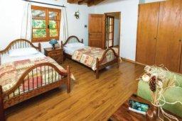 Спальня 2. Кипр, Милиу : Очаровательная вилла с 3 спальнями с для 6-ти гостей с бассейном и садом