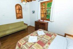 Спальня 3. Кипр, Милиу : Очаровательная вилла с 3 спальнями с для 6-ти гостей с бассейном и садом