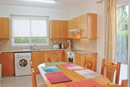 Кухня. Кипр, Аргака : Очаровательная вилла с 3 спальнями с для 6-ти гостей с бассейном и садом
