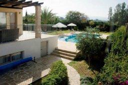 Территория. Кипр, Аргака : Роскошная вилла с потрясающим видом на море, с 3-мя спальнями, с бассейном, тенистой террасой с патио и барбекю, расположена рядом с морем и имеет прямой доступ к песчаному пляжу