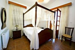 Спальня 2. Кипр, Аргака : Эксклюзивная вилла с 3-мя спальнями, с бассейном с водопадом, с настольным теннисом, барной стойкой и ландшафтным садом