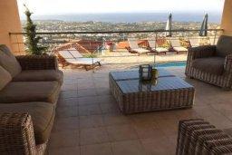 Патио. Кипр, Пейя : Роскошная вилла с видом на Средиземное море, с 5-ю спальнями, с бассейном, уютной тенистой террасой с патио и барбекю, с настольным теннисом и бильярдом
