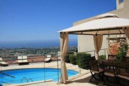 Бассейн. Кипр, Пейя : Роскошная вилла с видом на Средиземное море, с 5-ю спальнями, с бассейном, уютной тенистой террасой с патио и барбекю, с настольным теннисом и бильярдом
