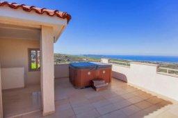 Развлечения и отдых на вилле. Кипр, Друсхия : Великолепная вилла с видом на море, с 4-мя спальнями, с бассейном, сауной и джакузи, расположена на краю красивого национального парка Akamas