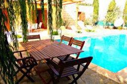 Патио. Кипр, Друсхия : Очаровательный дом в традиционном кипрском стиле, с 3-мя спальнями, бассейном и уютным двориком с патио и барбекю