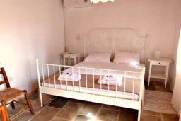 Спальня 2. Кипр, Друсхия : Очаровательный дом в традиционном кипрском стиле, с 3-мя спальнями, бассейном и уютным двориком с патио и барбекю