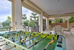 Развлечения и отдых на вилле. Кипр, Лачи : Прекрасная вилла с видом на море, в окружение ландшафтного сада, с 3-мя спальнями, с бассейном, тенистой террасой с патио и барбекю