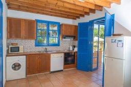 Кухня. Кипр, Полис город : Очаровательная вилла с 3 спальнями для 6-ти гостей с бассейном и садом
