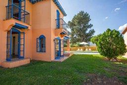 Фасад дома. Кипр, Полис город : Очаровательная вилла с 3 спальнями для 6-ти гостей с бассейном и садом