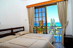 Спальня 2. Кипр, Аргака : Чудесная вилла с потрясающим видом на Средиземное море и горы, с 3-мя спальнями, с бассейном, тенистой террасой с патио и барбекю, расположена в нетронутой зоне Argaka