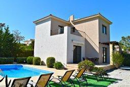 Фасад дома. Кипр, Полис город : Прекрасная вилла с панорамным видом на море, с 3-мя спальнями, с бассейном, приватным двориком с патио и барбекю