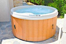 Прочее. Кипр, Аргака : Великолепная вилла с видом на море, с 3-мя спальнями, с бассейном, ландшафтным садом, джакузи и террасой на крыше