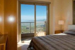 Спальня. Кипр, Друсхия : Потрясающая вилла с видом на море, с 4-мя спальнями, с бассейном, сауной и джакузи, расположена на краю красивого национального парка Akamas