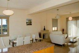 Гостиная. Кипр, Друсхия : Потрясающая вилла с видом на море, с 4-мя спальнями, с бассейном, сауной и джакузи, расположена на краю красивого национального парка Akamas