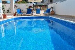 Бассейн. Кипр, Помос : Прекрасная вилла с 5-мя спальнями, с бассейном, бильярдом и двориком, расположена в Помосе