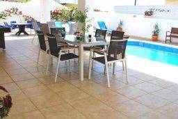 Патио. Кипр, Помос : Прекрасная вилла с 5-мя спальнями, с бассейном, бильярдом и двориком, расположена в Помосе