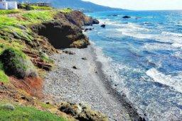 Ближайший пляж. Кипр, Помос : Прекрасная вилла с 5-мя спальнями, с бассейном, бильярдом и двориком, расположена в Помосе