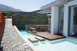 Бассейн. Кипр, Айя Марина : Замечательная вилла с 4-мя спальнями, с бассейном и двориком для 10-ти гостей