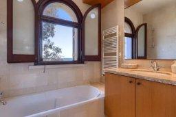 Ванная комната. Кипр, Айос Теодорос : Потрясающая восхитительная вилла с 7-мя спальнями, с бассейном и двориком для 16-ти гостей