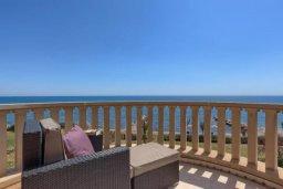 Балкон. Кипр, Айос Теодорос : Потрясающая восхитительная вилла с 7-мя спальнями, с бассейном и двориком для 16-ти гостей